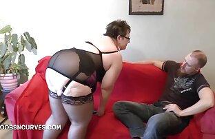 Lesbian Fisting - Francesca juega con un consolador durante una cogida videos pornos orgias familiares con el puño