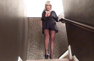 Lesbea Pussy hambrienta de grandes tetas morena adora el botín de Latina videos pornos de insestos familiares