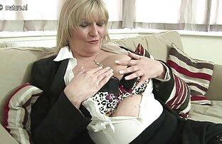 Nikita desnuda a Sweet Cat videos sexuales entre familiares y le come el dulce coño