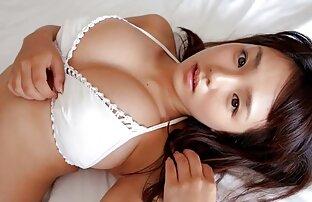 Juego sexual intenso en la cámara videos pornos de insesto familiar con un culo caliente - Más en hotajp.com